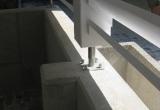 Weißes Carport 3 - Detail: Stützenfuß
